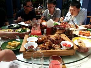 Comiendo en un viaje de negocios en China
